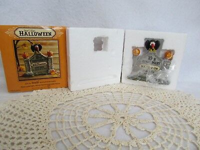 2008 Dept. 56 Halloween Snow Village Accessory:  10th Anniversary Sign ~ MIB!