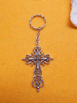 Antique Style Silver Cross On A Silver Ripple Key Ring - Flat Oval Chain # 309