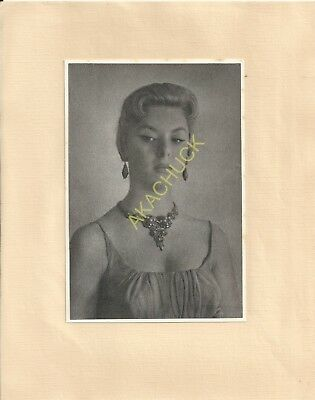 Hendrickson Hand Tinted Print 4.5x6.75 Sultry Pouty Beauty Necklace Earrings