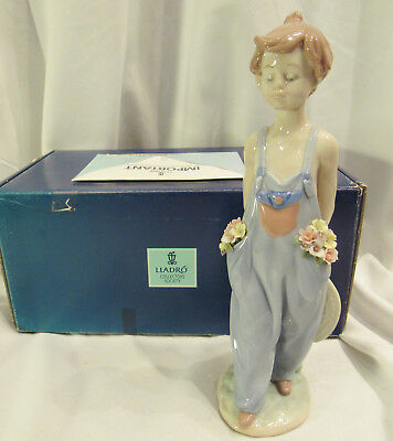 "LLADRO # 7650 ""Pocket Full of Wishes"" Porcelain Figurine Perfect Flowers Org Box"