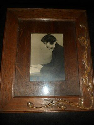 BOOTS CASH CHEMISTS Art Deco Dark Ornate ANTIQUE WOODEN PHOTO FRAME With Photo