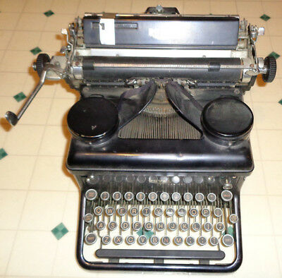 ~~Antique Royal manual typewriter 1910s? 1920s? ~~WORKS needs oiled for resto?