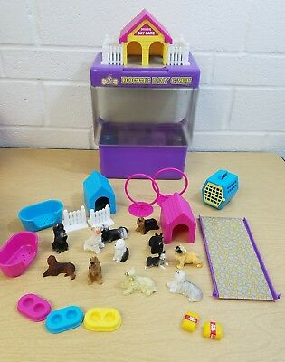 Vintage Moose Mountain Toymakers Doggie Day Care Playset Puppy Dogs Toys 1998