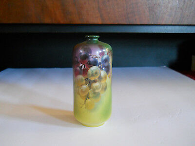 ANTIQUE ROYAL BAYREUTH Banreuth VASE GRAPES, Blue Mark T - STUNNING! Handpainted