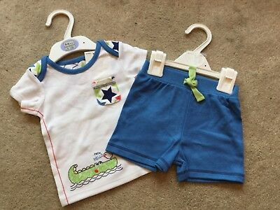 **BNWT REDUCED TO CLEAR** ~ MARKS /& SPENCER T-SHIRT ~ 100/% COTTON ~ 0-3 months