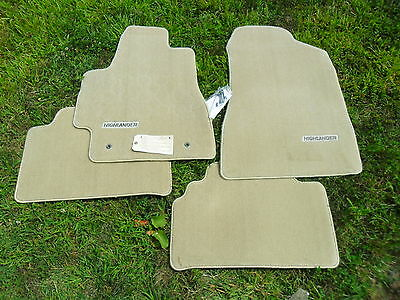 2004-2007 Toyota Highlander IVORY Carpet Floor Mats 4 PC  NEW PT206-48070-00 OEM