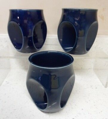 Three Holkham Pottery Owl Eye Matching Navy Mugs in Good Condition