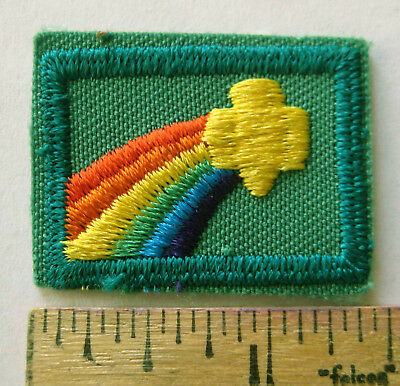 Retired Girl Scout 1994-2001 SIGN OF WORLD Junior Earned Badge JADE Border Patch