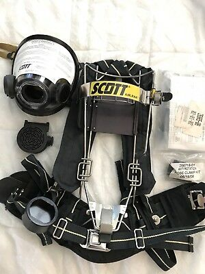 SCOTT SELF CONTAINED BREATHING APPARATUS (SCBA) Backpack With Mask & Voice