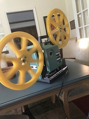 Vintage BELL & HOWELL FILMOSOUND Model 1585 16mm Movie PROJECTOR Autoload WORKS