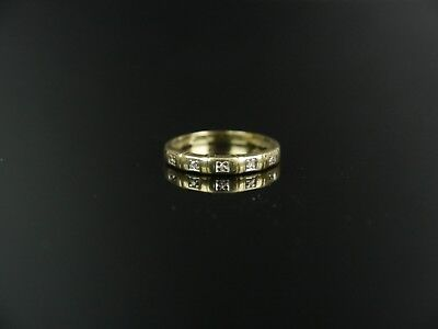 Antiker Gold Ring mit Diamanten 0, 04 Kt, 333er Gold.