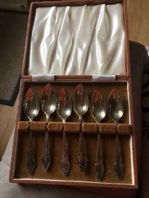 Old Sliver Spoons Complete In Box