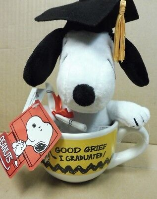 "Peanuts Snoopy 6 in Plush Charlie Brown ""Good Grief I Graduated"" Mug Cup New"
