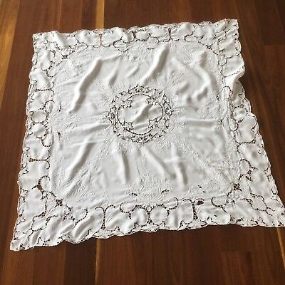 TABLECLOTH - WHITE LINEN / LAWN - 1940's SQUARE - VINTAGE - EMBROIDERED/CUT WORK