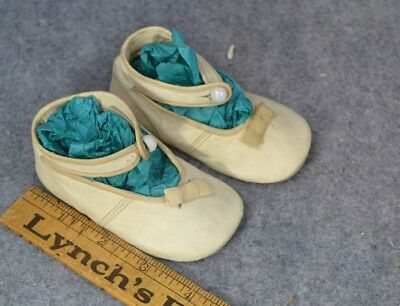 antique shoes baby doll button  Baby Jane white 4 in. leather Victorian  1800