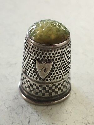 Silber Fingerhut Russian Silver Thimble with stone top Argent De a coudre