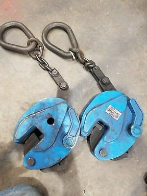 3ton plate lifting clamps both with chain attachments