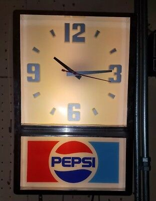 Vintage (light up) Pepsi Clock with MFD of May 18, 1990.