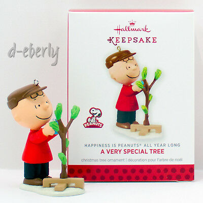 Peanuts A VERY SPECIAL TREE Happiness Hallmark 2013 2014 Ornament ALL YEAR LONG