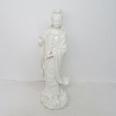 H964: Japanese Goddess of Mercy KANNON statue of white porcelain with fine work