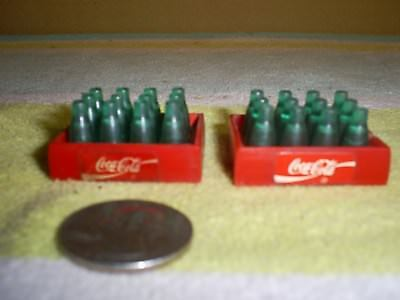 Vintage 1988 MINIATURE COCA COLA RED PLASTIC CRATES WITH BOTTLES REMCO TOYS 1987