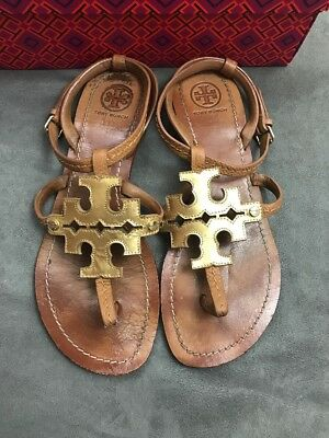 b5a95364d7fb TORY BURCH 😍 Phoebe Chandler Flat Thong Sandals Tan   Gold Sz 6.5 Miller   K14