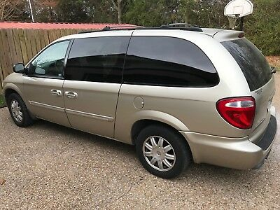 2005 Chrysler Town & Country  2005 Chrysler Town Country Touring 3.8L Van