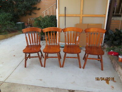 4 wOODEN CHAIRS BENTWOOD STYLE
