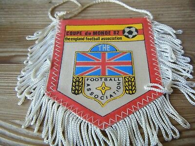1982  World  Cup   -  England     -  Qualifying Group    Football  Pennant   Vgc