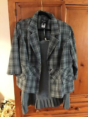 Sweet Suit size 22 plus size women's. Black and gray blazer with gray skirt