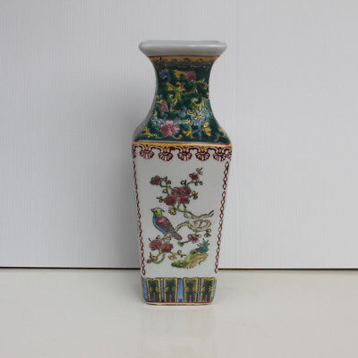 Chinese Porcelain painting ancient beauty figure vase