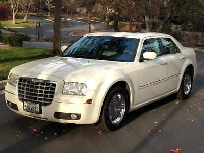 2006 Chrysler 300 Series Limited 2006 Chrysler 300 Limited in Rare Cool Vanilla Color!
