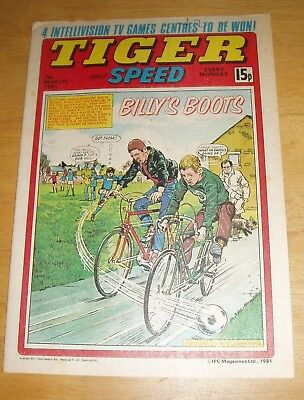 Tiger Comic 1981 With Stunning  Shrewsbury Town  Colour Team  Centrefold Poster