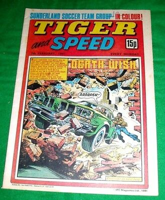 Tiger Comic 1981 With A Stunning  Sunderland  F.c. Colour Centrefold Team Poster
