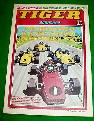 Tiger Comic  19/7/1980 With England Cricket Team  Colour Centrefold Poster