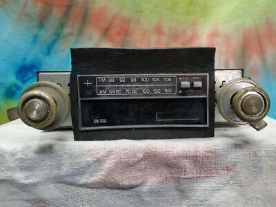 vintage kraco model kid-560A am fm radio 8 track car stereo