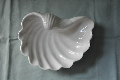 Ceramic Shell Shaped Soap Dish - White