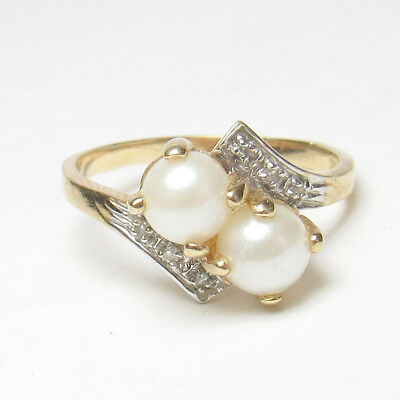 Estate 10K Yellow Gold Two 5.5 mm Saltwater Cultured Pearl And Diamond Ring