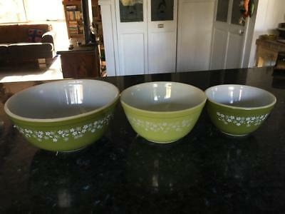 Retro/vintage Pyrex 'cinderella' Mixing Bowls (3)  Green  -  Fabulous - As New