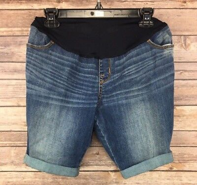 Liz Lange Maternity Women's Medium Wash Bermuda Jean Shorts Size XS Inseam 9 NEW