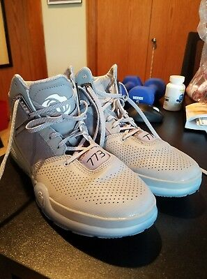 new arrivals bcfc0 8a8b7 SLIGHTLY USED Adidas D Rose 773 IV Mens Basketball Shoes Gray