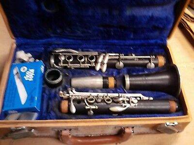Vintage Le Blanc Normandy 10 Clarinet With Case & Reeds