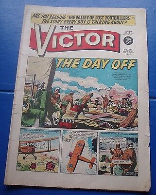 Lone British Pilot Bombs German Airfield  Ww1 Cover Story On Victor Comic 1967