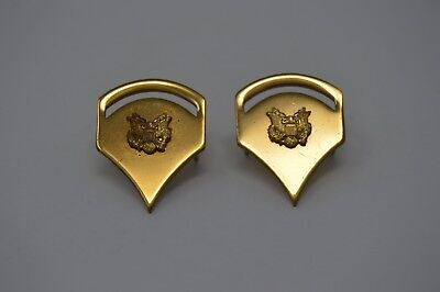 cd81b20be24 US Army Spec 5 Rank Hat Collar device Lapel Pin Set SP2