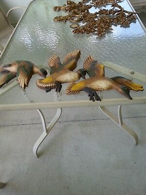 Vintage!  Mid-Century Syroco Wood Set of 3 Flying Ducks,Wall Plaques,Made in USA