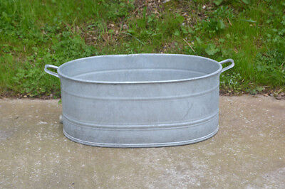 vintage old galvanised bath metal bath tub dog /duck pond/ washing FREE DELIVERY