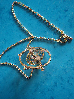 Necklace Pendant time-Turner. Harry potter and the prisoner of Azkaban. Watch