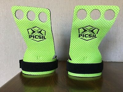 Picsil Azor Grip Medium 3 Hole (CrossFit, for muscleups, pull ups, bar work)