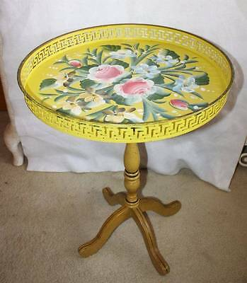 Fabulous Vtg Tole Toleware Metal Table Hand Painted Exc Condition
