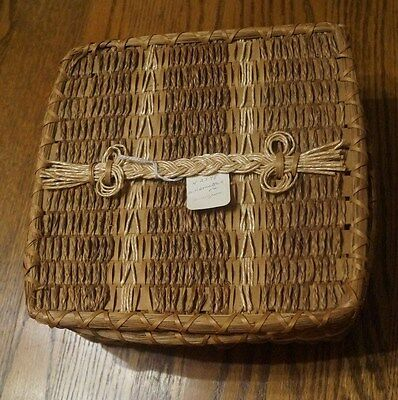 Vintage Sweetgrass Sewing Basket with lid and braided handle- VGC